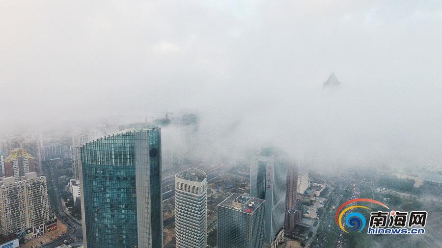 组图|海口云雾缭绕似仙境